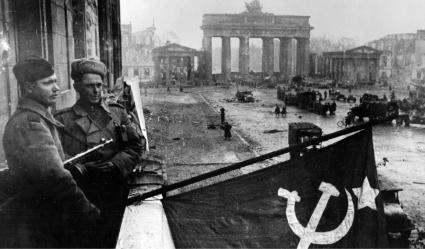 LXXV Aniversario del final de la Segunda Guerra Mundial en Europa - Carlos Hermida - publicado en la web del PCEml Berlin1945