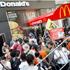 Empleados de comida rápida anuncian huelgas y movilizaciones en 30 países